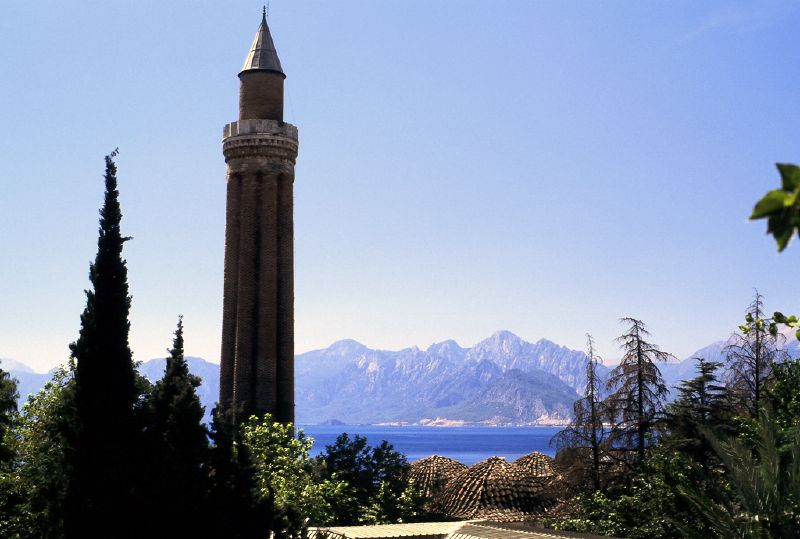 Yivli_minaret