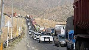 صف طولانی کامیونها در مرز بازرگان