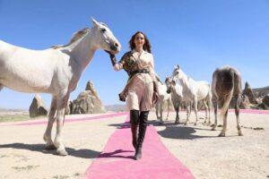 نمایش مد لباس پاییز و زمستان 2021 ترکیه