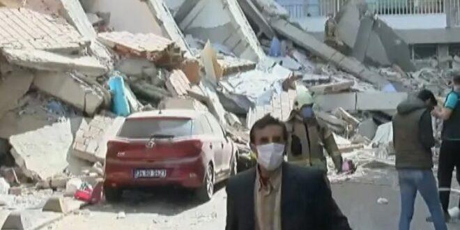 یک ساختمان پنج طبقه در استانبول فروریخت